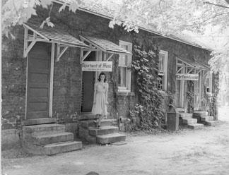 Elm Row, 1940