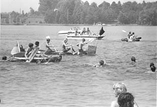 Students rowing during Freshman Orientation