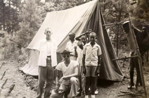 Ken Norton and Scout Troop 75, courtesy of Davidson College Archives.