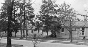 Married student housing on Main Street in 1940s (9-2513)