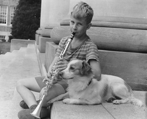 Musical pup circa 1943