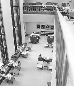 Library's social study space in 1977