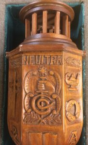 Davidson Mace, showing motto, Ne Ultra