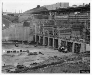 Lake Norman dam under construction